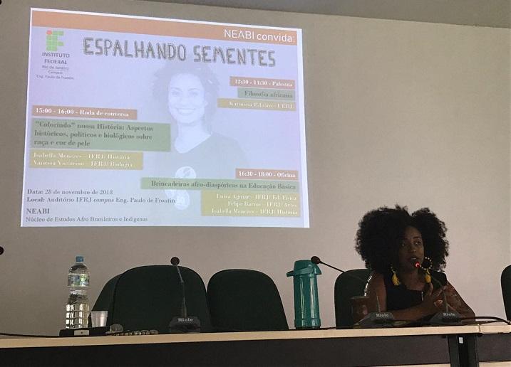 mesa de abertura na semana da consciência negra no campus Eng. Paulo de Frontin